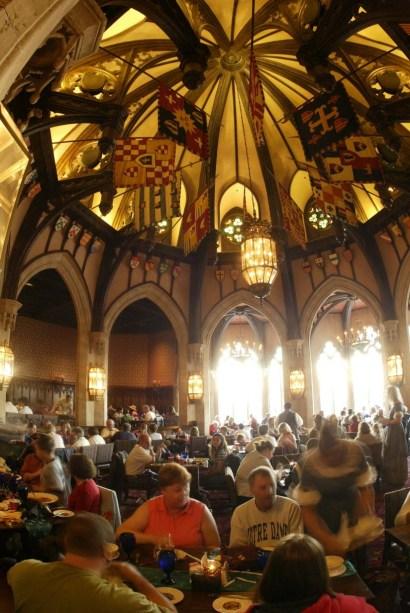cinderellas royal table salão